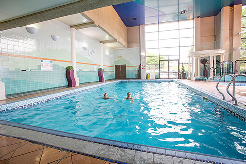 cedar court swimming pool slider2